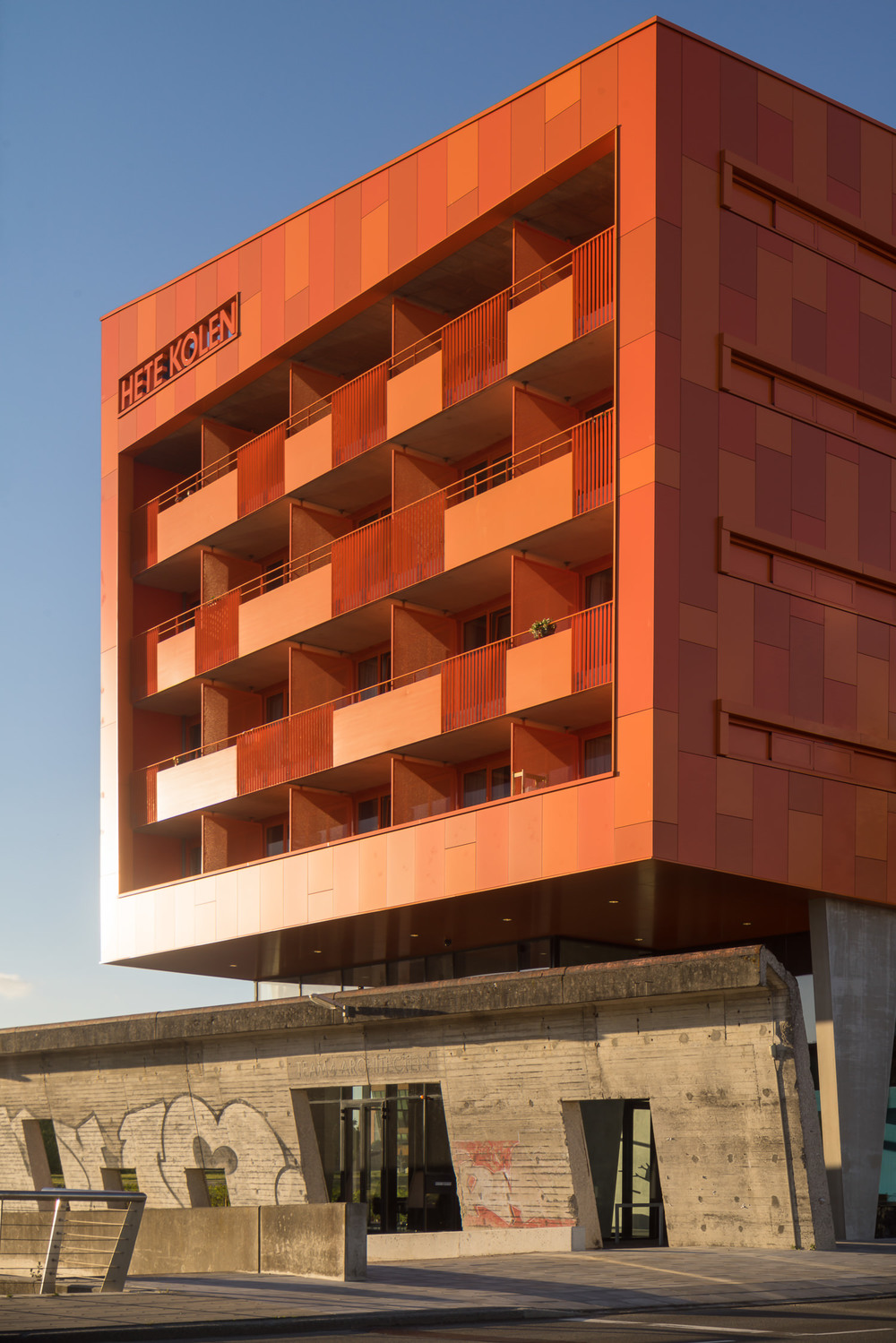 facade view of hete kolen by merk hadden architectuurfotograaf