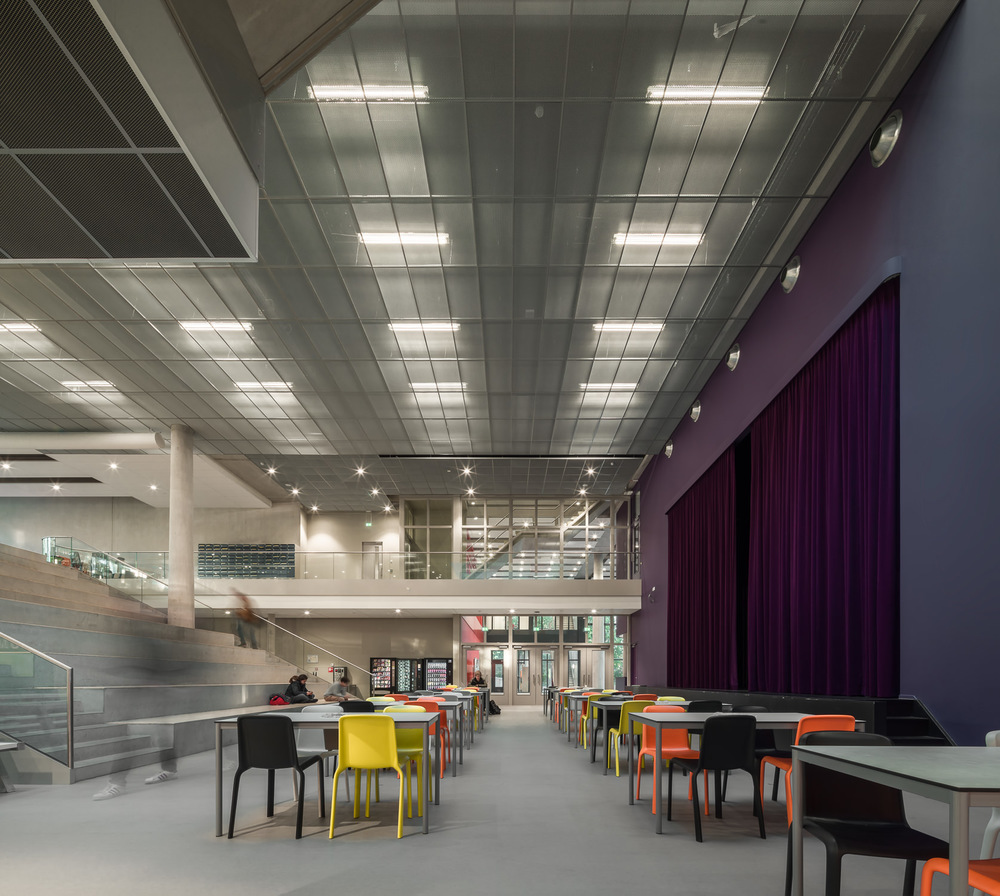 foyer at zernike college by mark hadden architectuurfotograaf, amsterdam