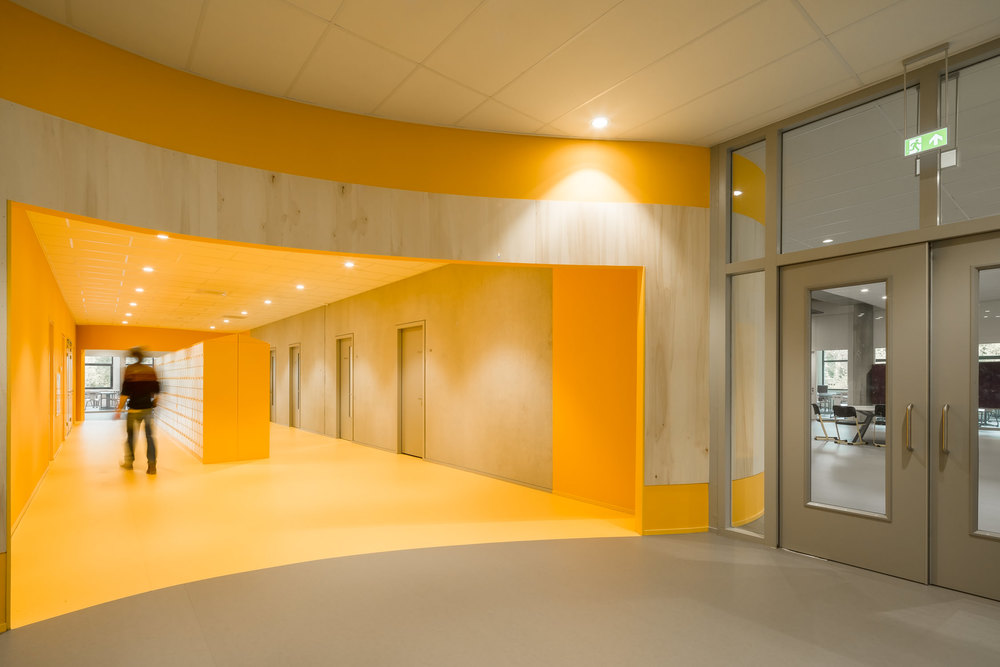 colour at zernike college by mark hadden architectuurfotograaf, amsterdam