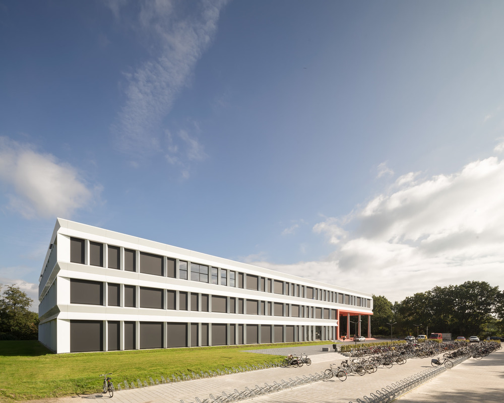 afternoon view of zernike college by mark hadden architectuurfotograaf, amsterdam