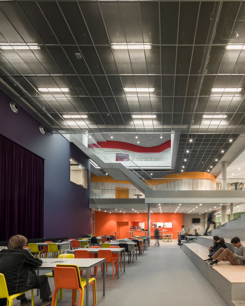 dining at zernike college by mark hadden architectuurfotograaf, amsterdam