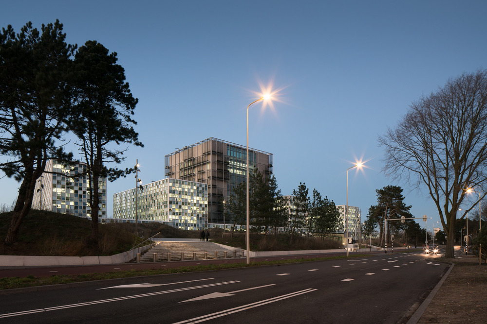 icc den haag at night from the street by schmidt hammer lasson