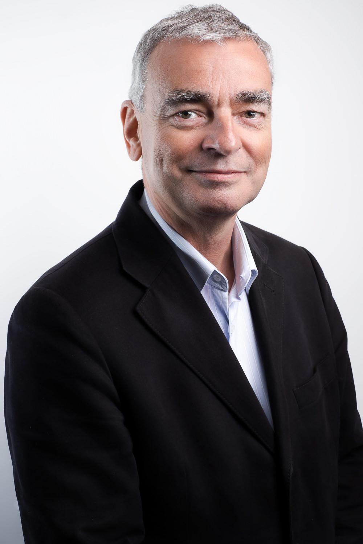zakelijk-portret-portretfotografie-fotoshoot-mark-hadden-amsterdam-headshot-business-portrait-330.jpg