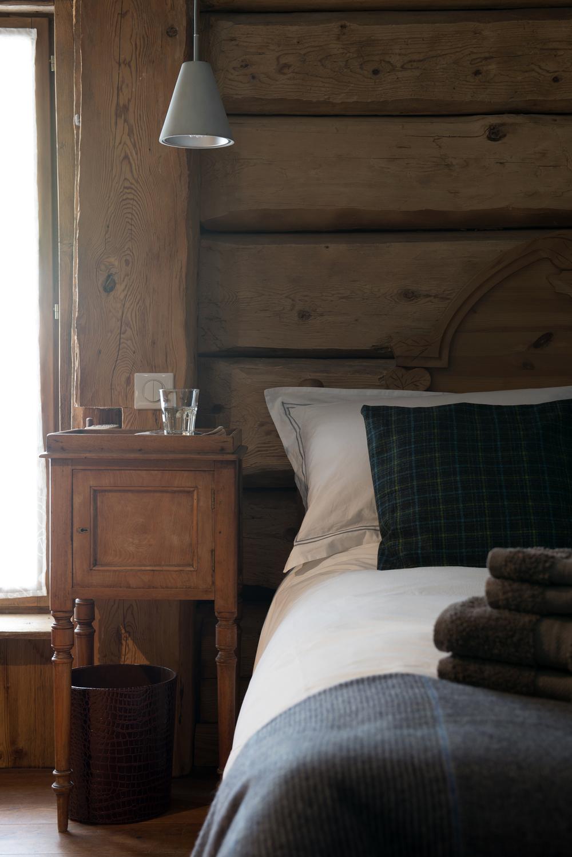 Bedside_1.jpg