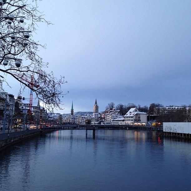 evrenshat Zürich in weiss gehüllt aufgenommen. Wunderbar nicht?