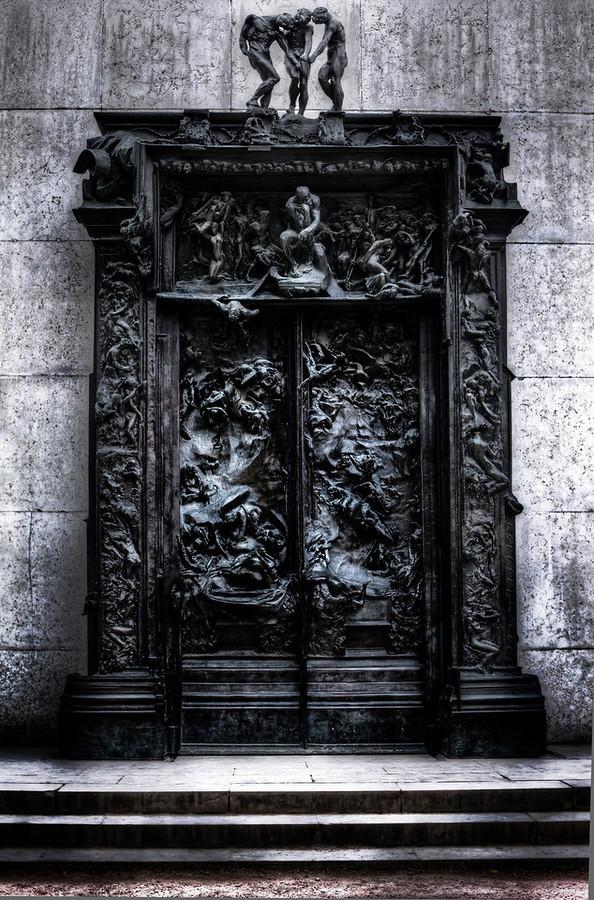 Das Höllentor von Rodin beim Kunsthaus Zürich. Bild vonelegance-experience