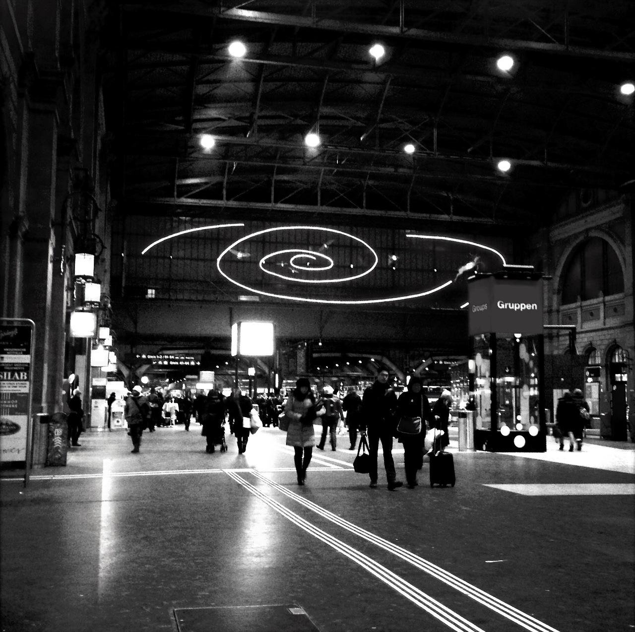 Schöne schwarz / weiss Aufnahme von unserm Hauptbahnhof. Danke victoryfunk für das Bild
