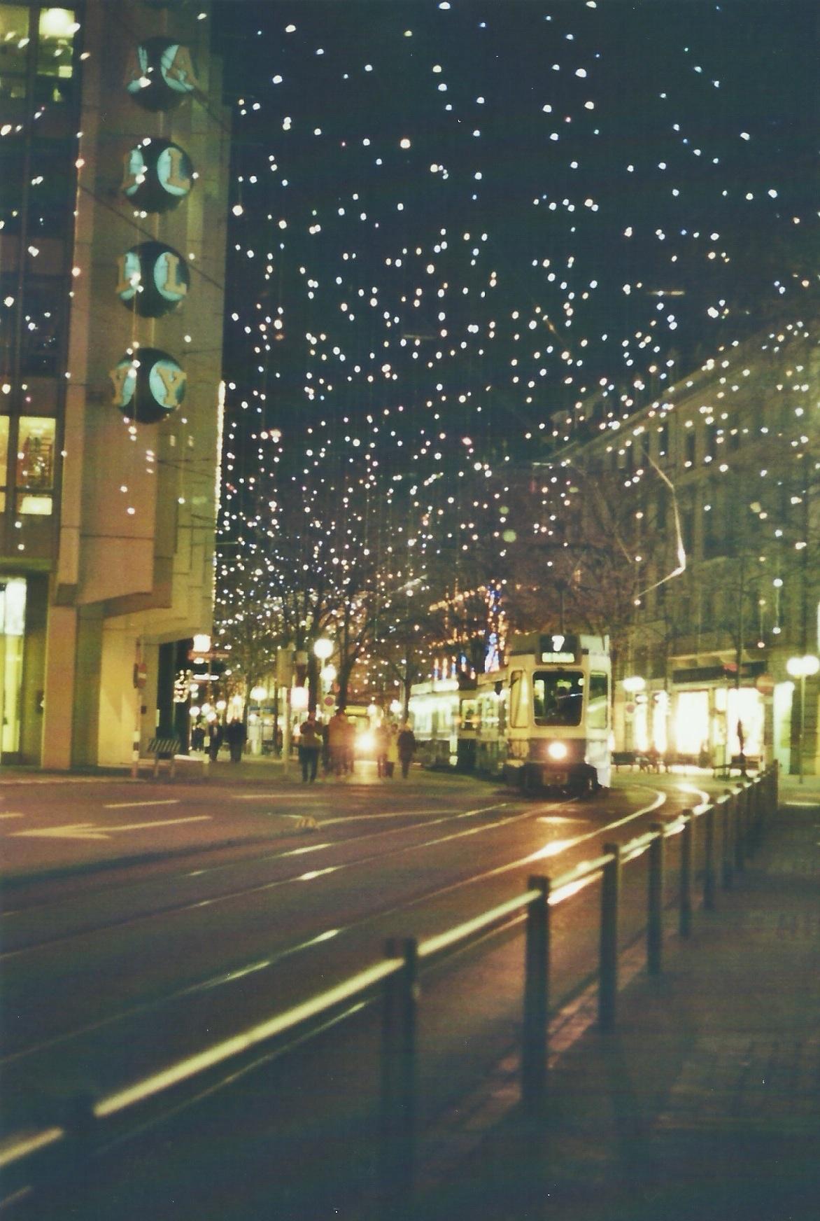 Zürich ganz Weihnachtlich mit Lucy. Besser und schöner als dieses trübe Wetter das momentan in Zürich herrscht.