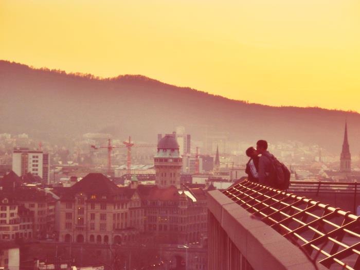Das ist mein Zürich. Dem Fotografen ein Schulterklopf von mir. Geniesst den Tag, Eure Stadt und Eure liebsten.