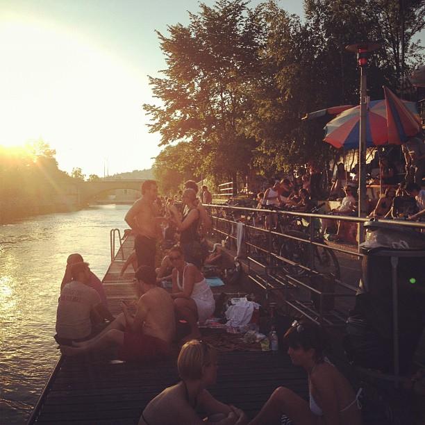 Das ist meine Stadt! indie-jungle sieht das genau so. Danke für die Aufnahme. Schöne Woche Zürich