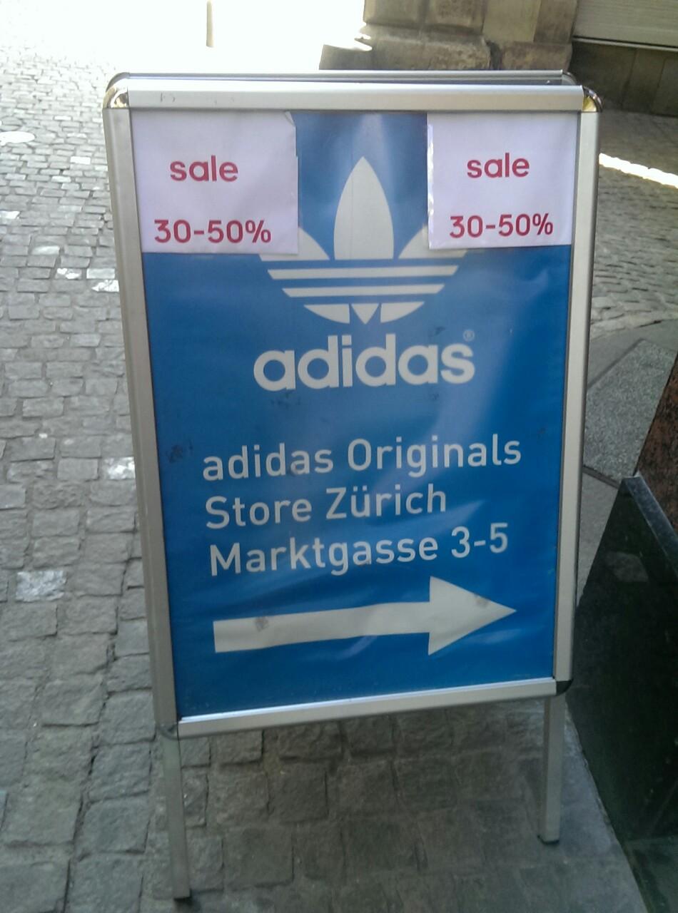 Liebe Zürcher, Adidas im Niederdorf hat Sale. Dort kriegt ihr 30-50% Rabatt. Schönen Samstag Zürich