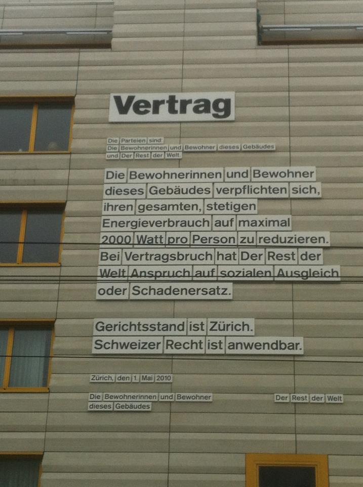 Gefunden von christof-brockhoff:Vertrag der Bewohner eines Gebäudes in Zürich mit dem Rest der Welt.