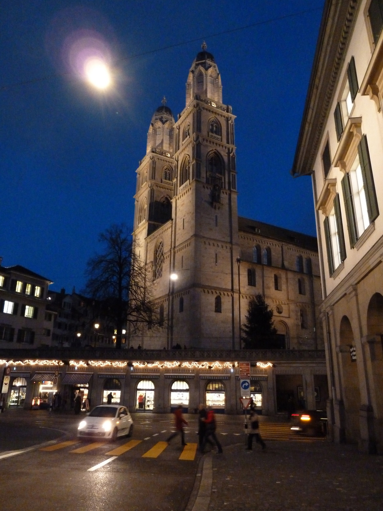 Unser wunderbares Wahrzeichen, das Gross Münster, aufgenommen von eclecticambition