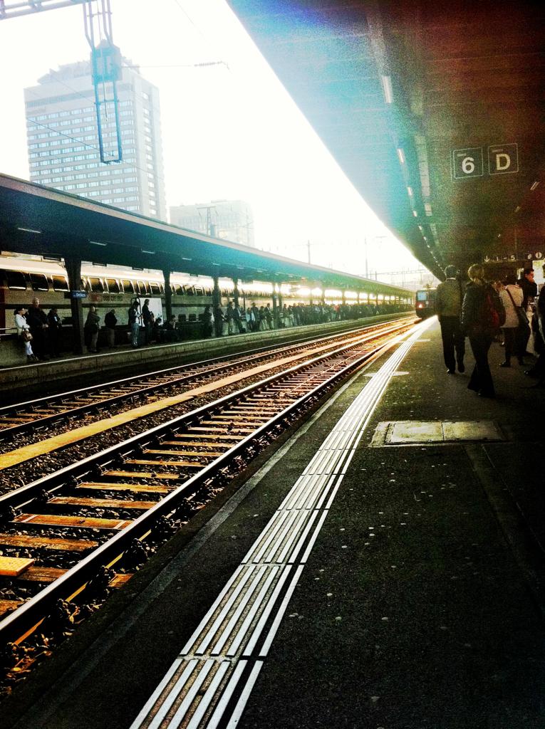 Bahnhof Oerlikon, aufgenommen von elaynm. Danke