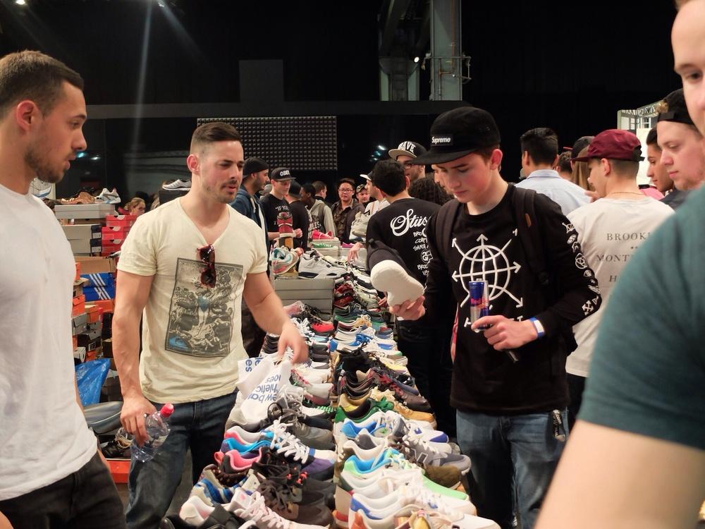Private Sammler präsentieren und verkaufen ihre Sneakers