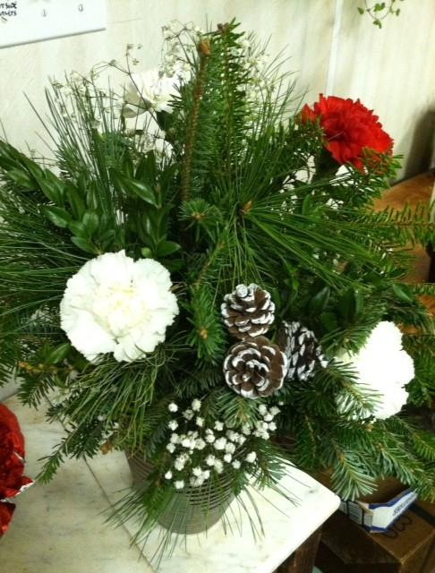 christmas centerpiece3.jpg