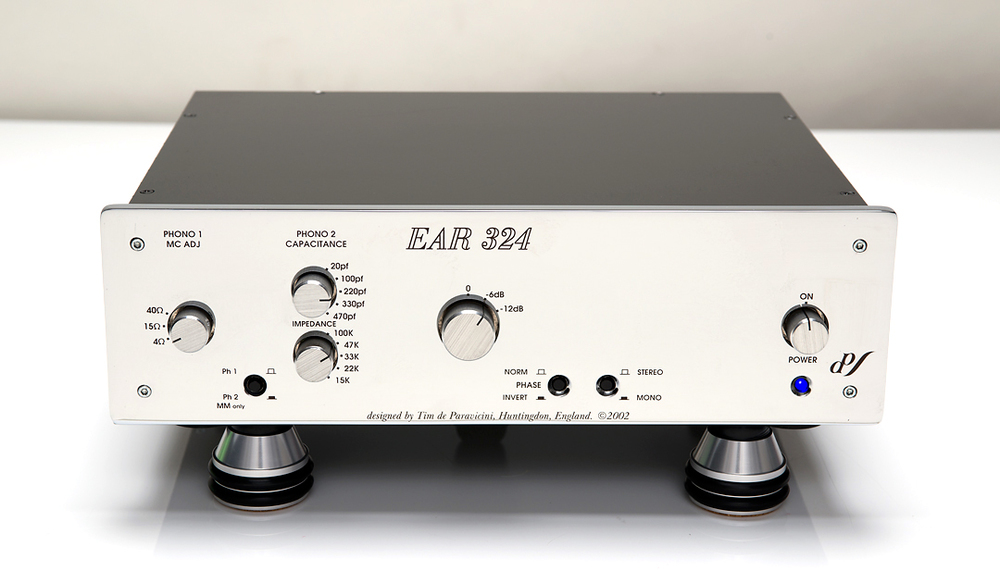 The EAR 324 Phono Preamp by Tim de Paravicini.