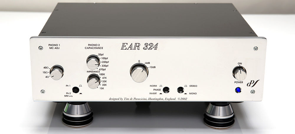 EAR-324-Phono-Preamp-w-Redpoint-Blakhole-Isolation-Feet_adj_resize.png