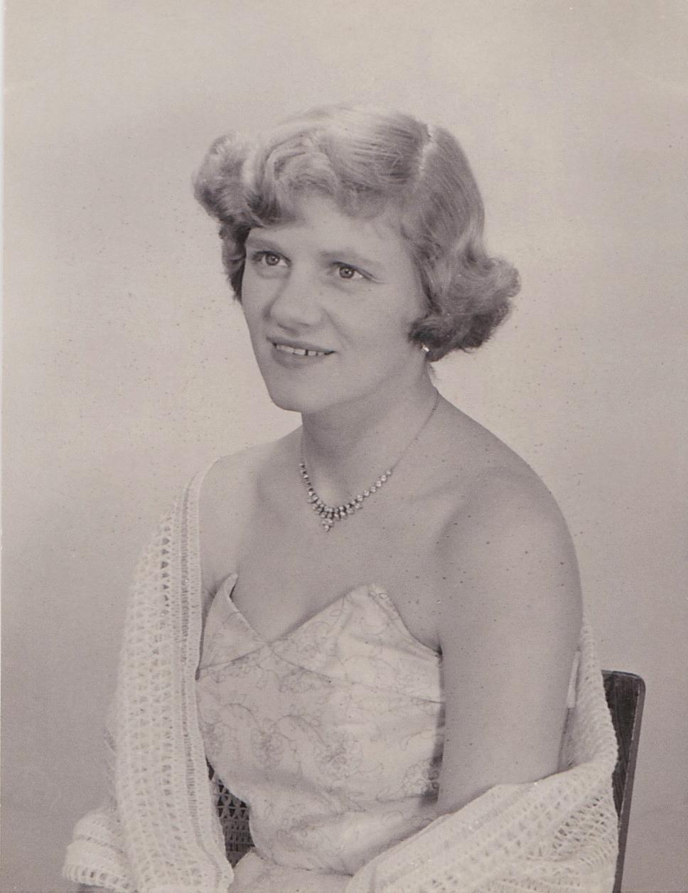 Joan Clark nee Buxton.jpg