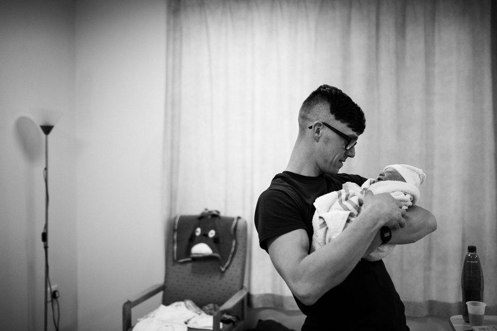 Birth Photographer Documentary Photography Newborn Baby Hospital Family - Jenny Harper-18.jpg