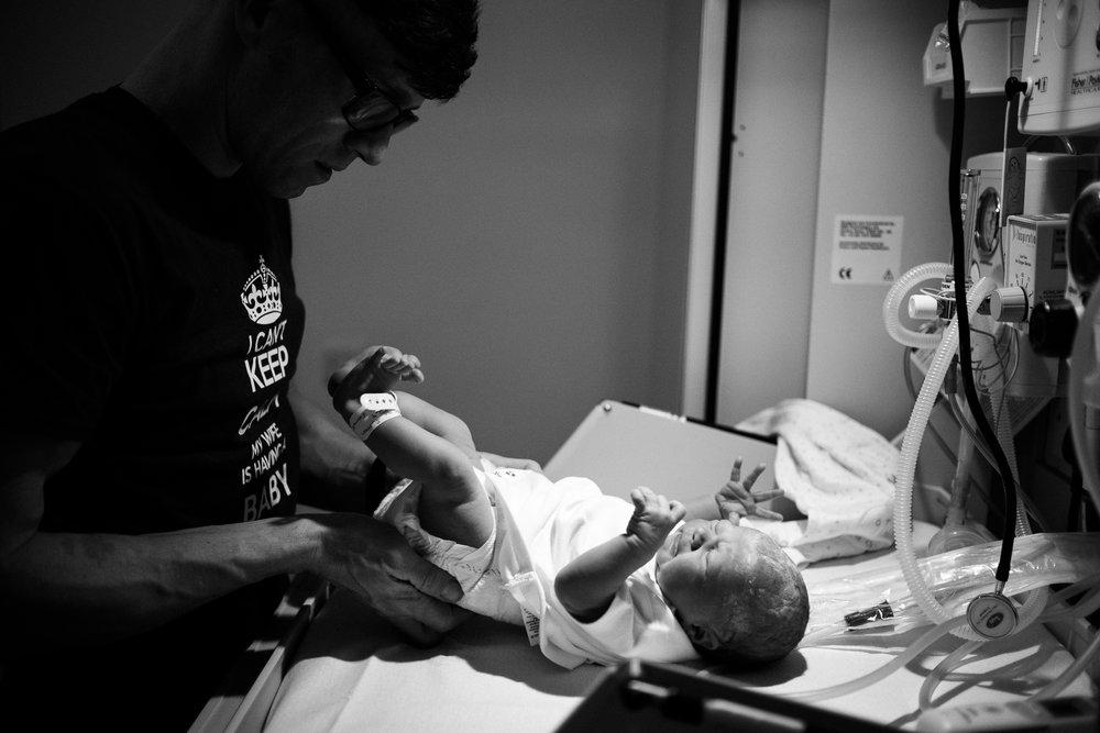 Birth Photographer Documentary Photography Newborn Baby Hospital Family - Jenny Harper-30.jpg