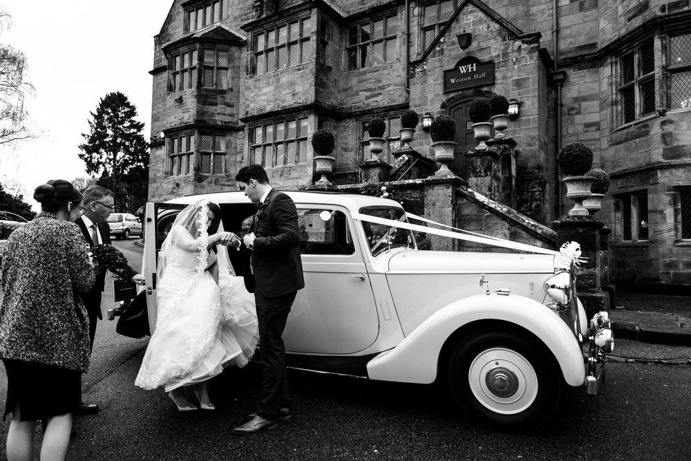 Winter Wedding Christmas Wedding Photography Stafford, Staffordshire Saint Chad Weston Hall Documentary Photographer - Jenny Harper-32.jpg
