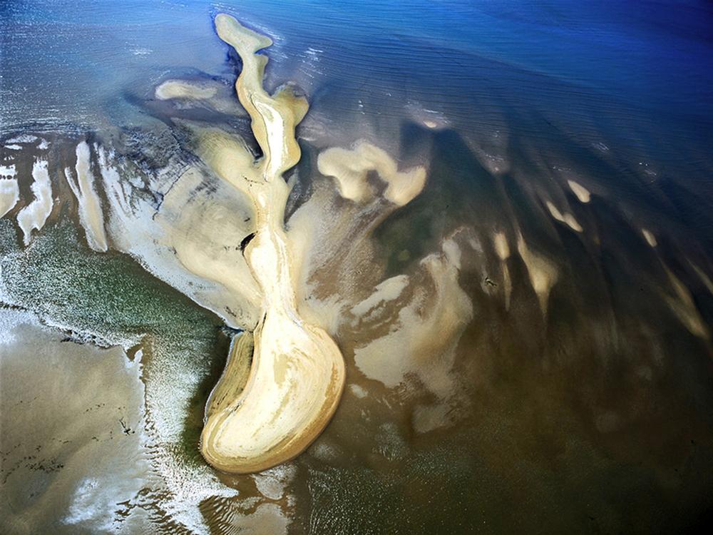 aerial photograph, estuary, cairnes, australia