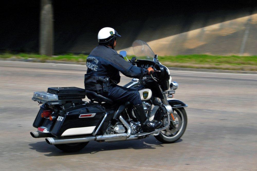 police-officer-3233103.jpg