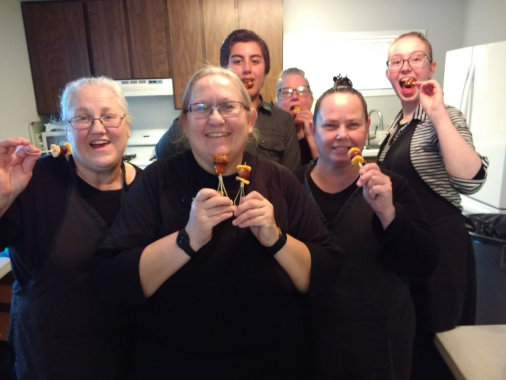 Our hard working crew from left to right - Sis. Barbara, Sis. Debbie Ann, Ninos, Sis. Kathryn, Sis. Julie Ann and Sis. Sarah