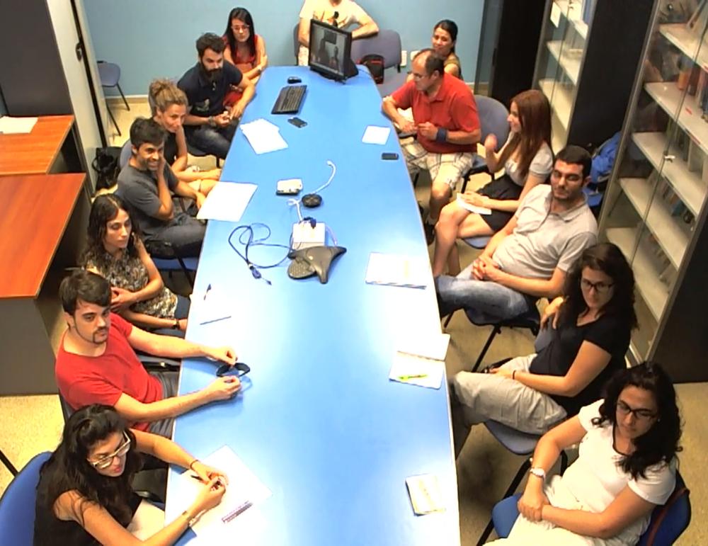 Estudiantes e investigadores de la Universidad de Murcia escuchando el webinar de las co-fundadoras de ECUSA-Boston, Isabel Domínguez y Cristina Vázquez-Mateo