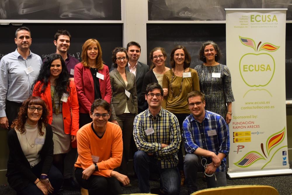 Miembros de la junta directiva de ECUSA-Boston celebrando el primer aniversario.