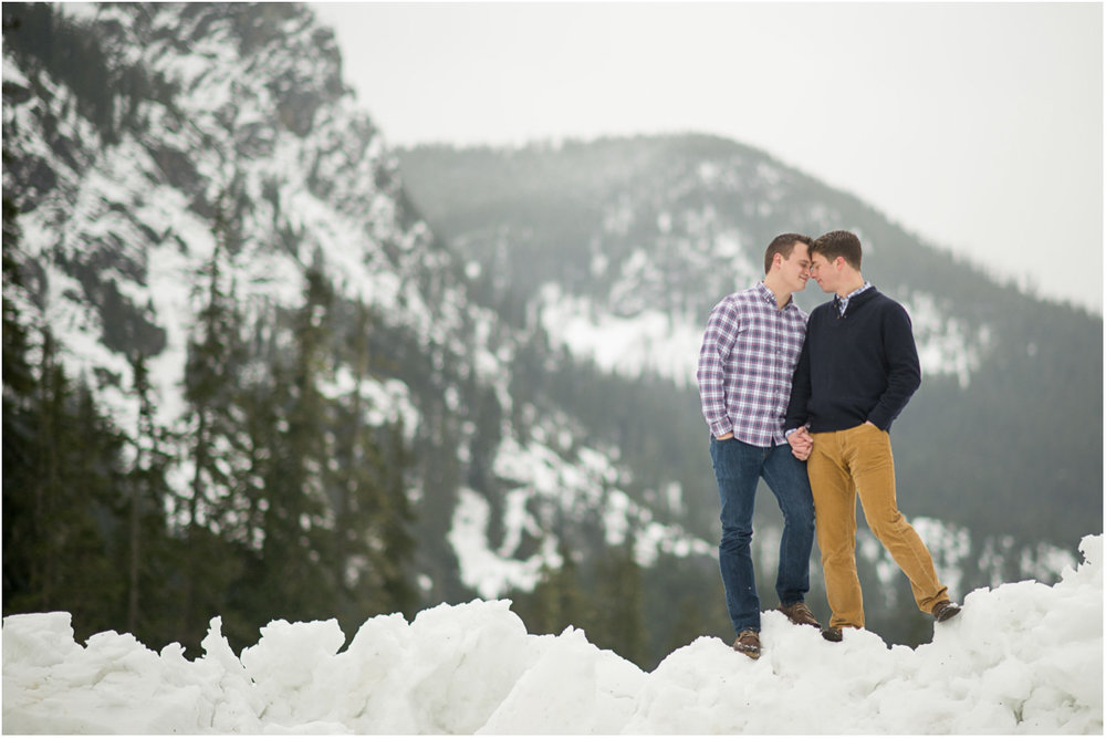 winter-engagement-in-mountains.jpg