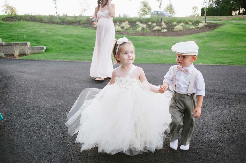 That flower girl and ring bearer!? Did you just die? Because I just died. So cute it's almost criminal.