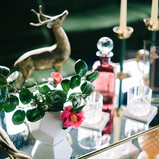 Love a little whimsey here and there 🦌  @bluerosepictures  @littleweddingblush  @thompsonseattle