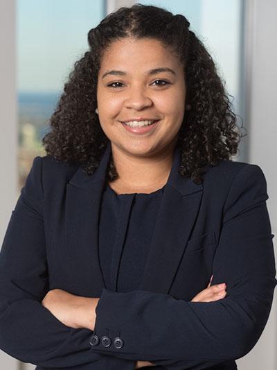 Merilin Castillo, J.D. / Admissions Consultant  B.A., Harvard | J.D., Columbia