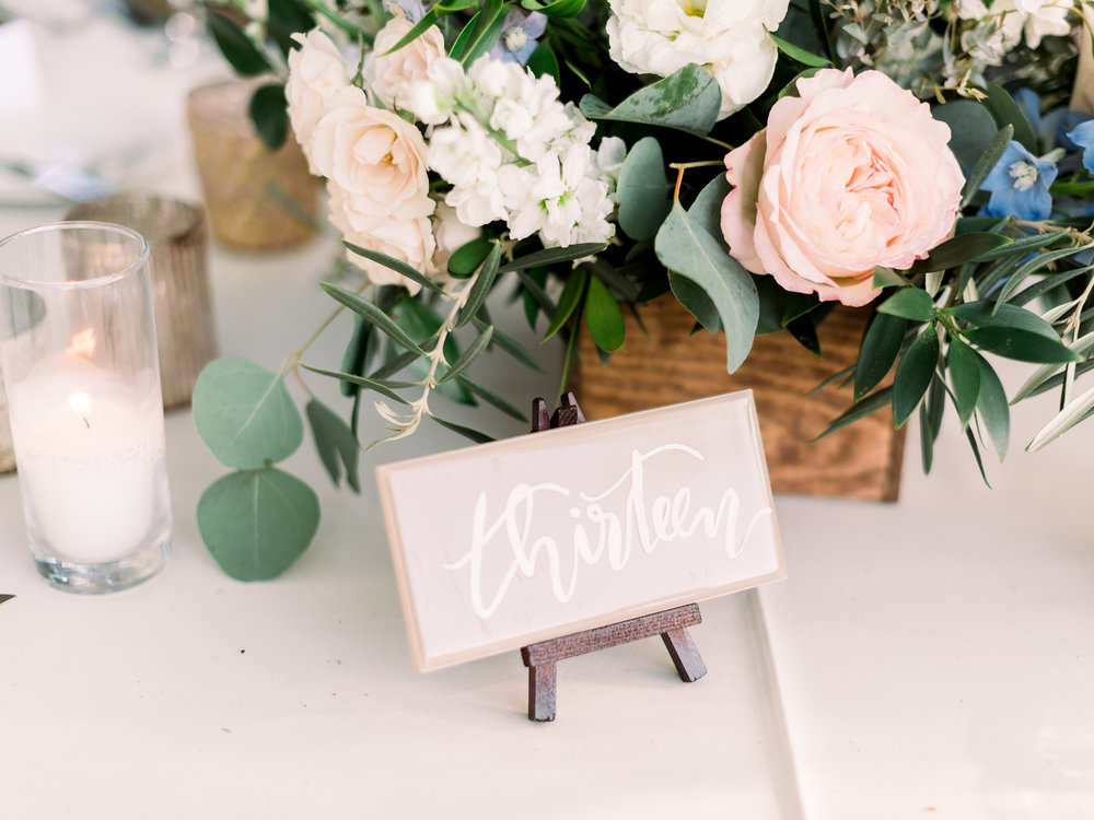 pastel-wedding-table-decor.jpg