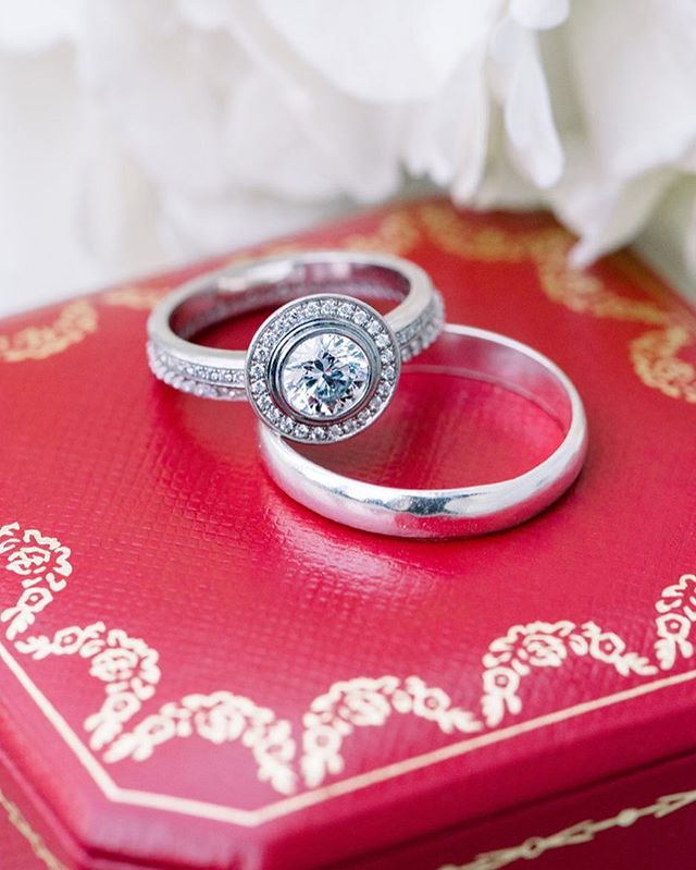 Magical Cartier wedding rings from a recent elopement ✨ . . . . . . . . . . . . . . . . #vacavilleweddingphotographer #napaweddingphotographer #weddingringinspiration #fineartweddingphotographer #filmweddingphotographer