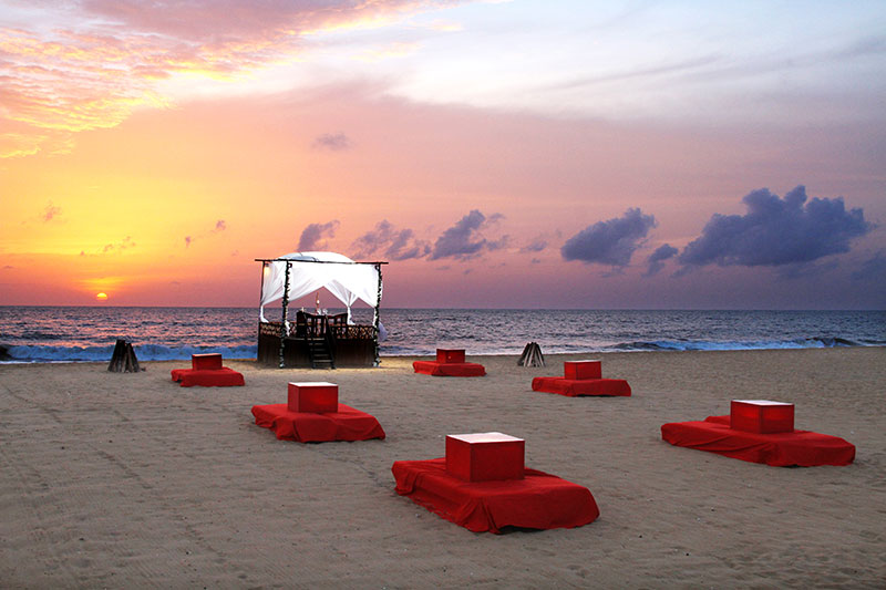 Jet Wing Beach -Signature-dining-on-the-beach.jpg