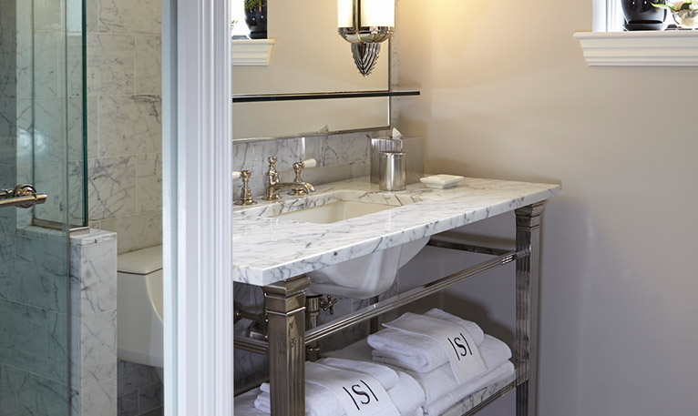 The Surrey Salon Bathroom