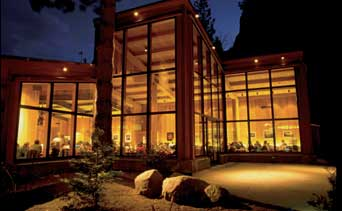 Yosemite Lodge at the Falls 2.jpg