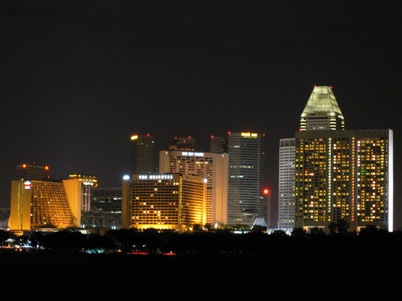 singapore-skyline-1488527.jpg