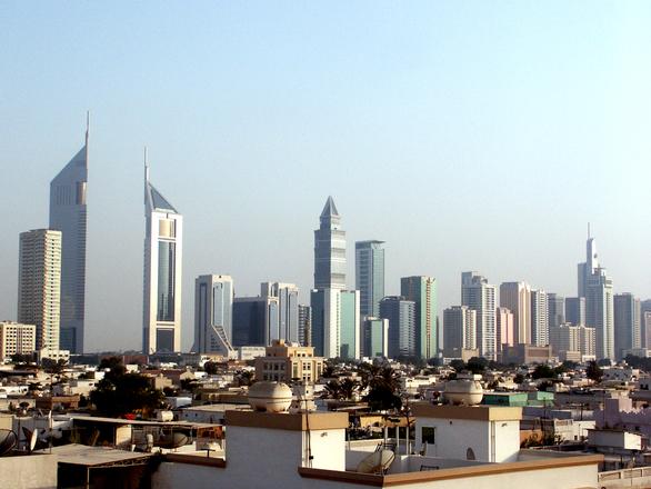 dubai-skyline-day-edition-1511364.jpg