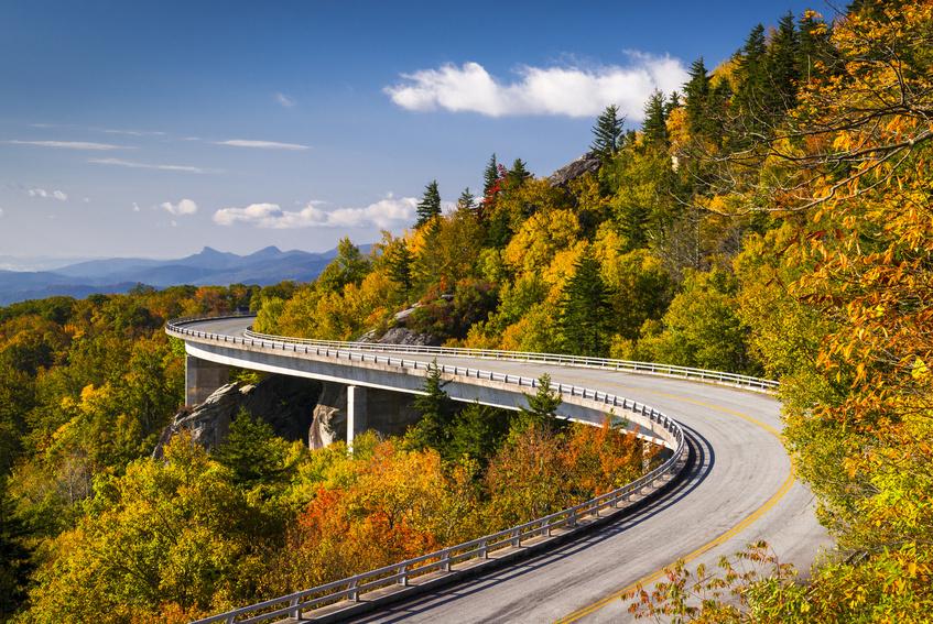 Fotolia_Blue+Ridge+Parkway.jpg