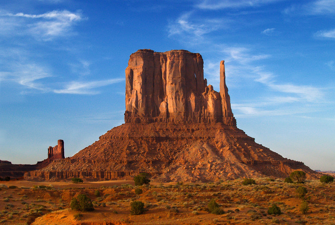 Monument Valleyleft-mitten-01-1246342.jpg