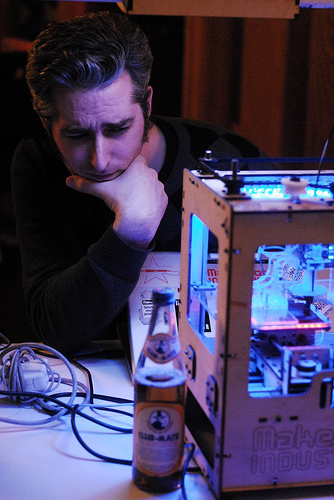 Just wanted to mention that Bre Pettis (geek's love him, crafters want to be him) is down at Metrix tonight for a visit. Even though it's not officially MakerBot night, Bre's got his totally pimped out Cupcake CNC out (both can be seen above) and is test-driving his prototype heated build platform. Our newly complete Mendel is also making an appearance looking totally badass and technically functional.