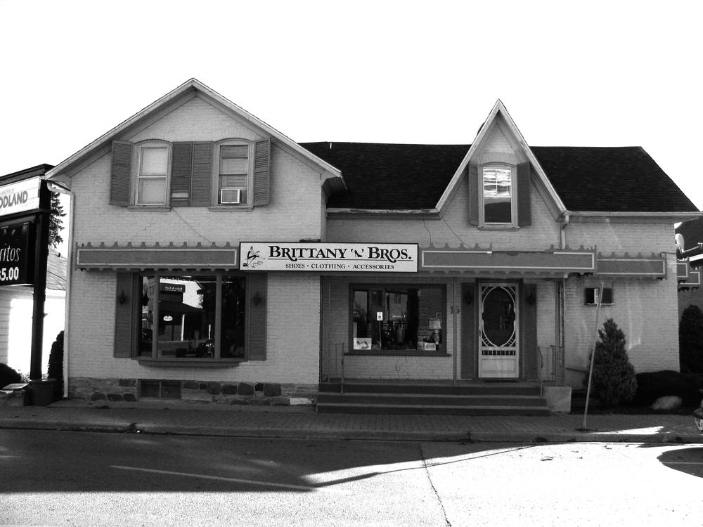 2013-10 Brittany'n'Bros. Lakefield 001.jpg