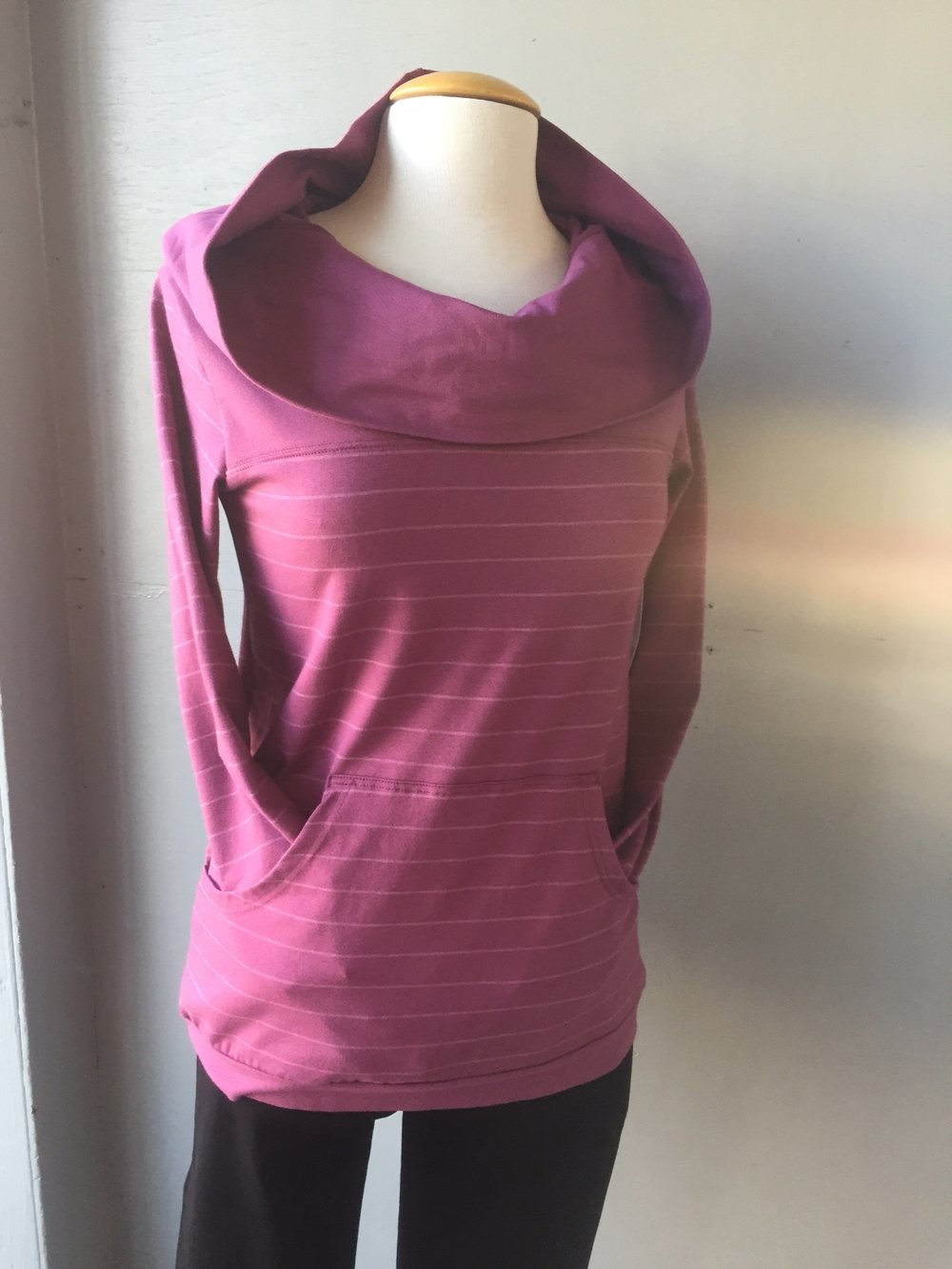 Fig sweater, Lola Jeans2.JPG
