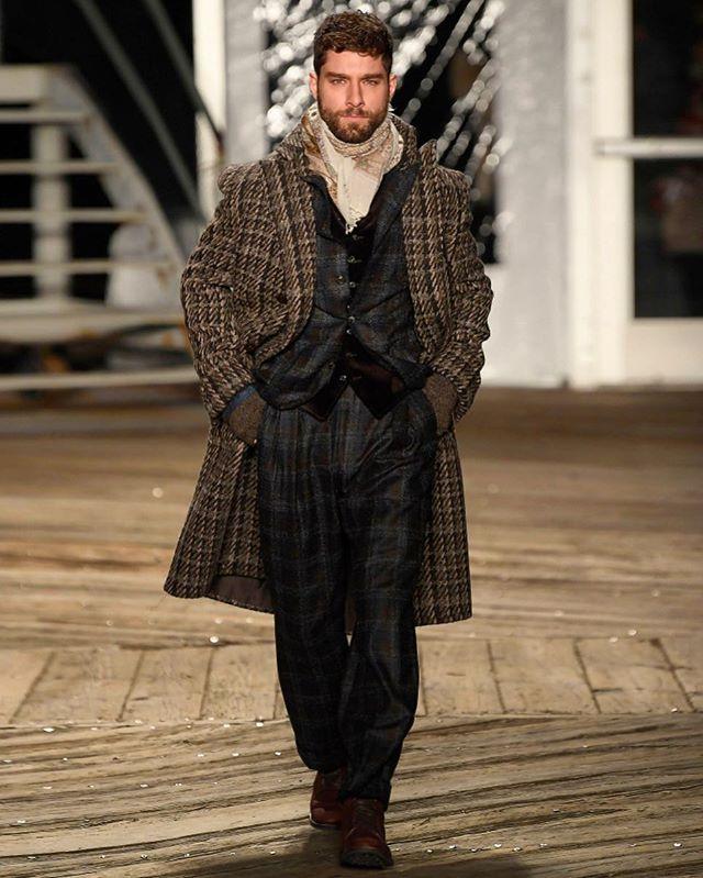 Andre Ziehe for Joseph Abboud #NYFW Men's Fall/Winter 19.  #fashionweek #mensfashion #andreziehe #malemodel #newyork #brazilianmodel