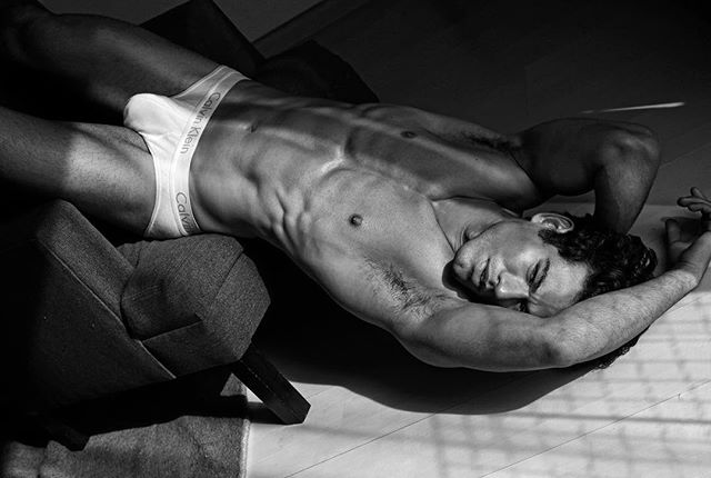 Marcio Sousa @mar_tarso by Martin Traynor • • • • #marciosousa #martintraynor #malemodel #brazilianmodel #handsome #hotguys #calvinklein #underwear #ck #malebody #fitness