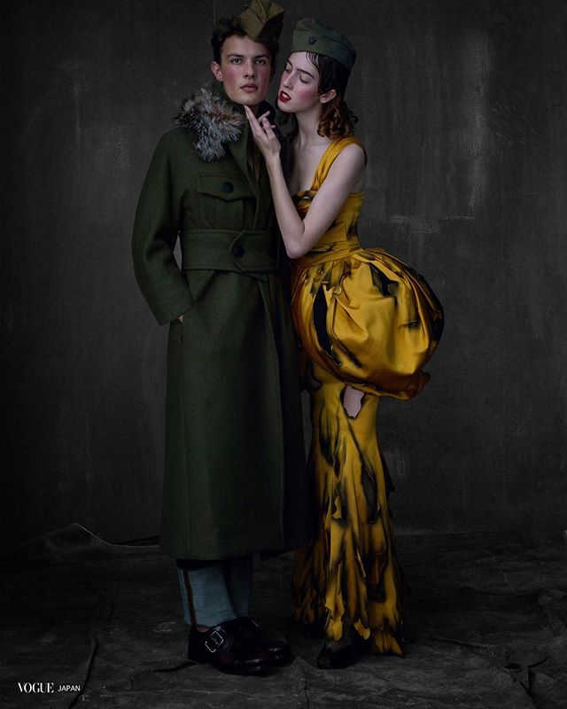 Will M. @willmoterlle for Vogue Japan @voguejapan by #AlbertWatson styled by @paulsinclaire @sissyvian @pg_dmcasting . . .  #vogue #voguemagazine #malemodel #model #WillMoterlle #VogueJapan #PaulSinclaire #SissyVian #miguelcrispim #BrazilianModel #PiergiorgioDelMoro